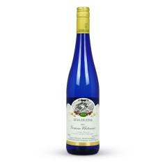 金凯斯勒白葡萄酒_呈淡黄色